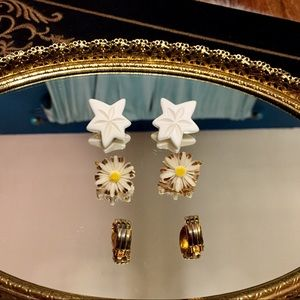 🦋2/$10 3/$15 4/$18 5/$20 Vintage Earring Set